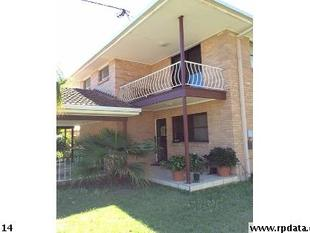 2 STOREY DUPLEX CLOSE TO THE BROADWATER - Biggera Waters