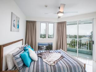 2 BEDROOMS RENOVATED WITH WATER VIEWS - Surfers Paradise