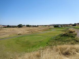 Flat Golf Course Frontage Allotment! - Normanville