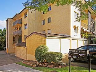 Renovated Unit only 250m from Ascot's Racecourse Road! - Hamilton