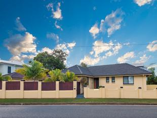 CHARMING LOWSET BRICK RESIDENCE - Hendra