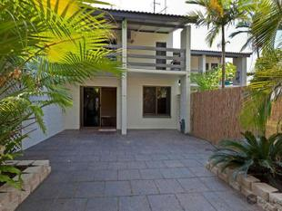 TIDY 2 BEDROOM TOWNHOUSE - Stuart Park