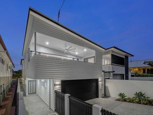 Quality Constructed Family Residence - Breathtaking City Views - Wilston