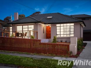 Instant Allure In An Idyllic Location - Doncaster East