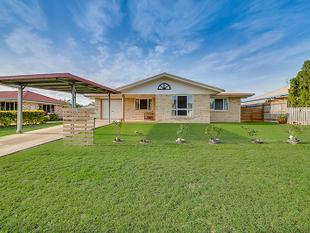 Neat home with a shed & close to the Beach! - Taranganba