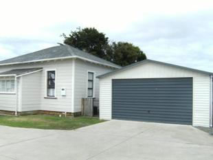Central City Weatherboard Villa - Wanganui City Centre