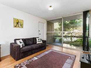 2 bedroom ground floor unit close to public transport! - Morningside