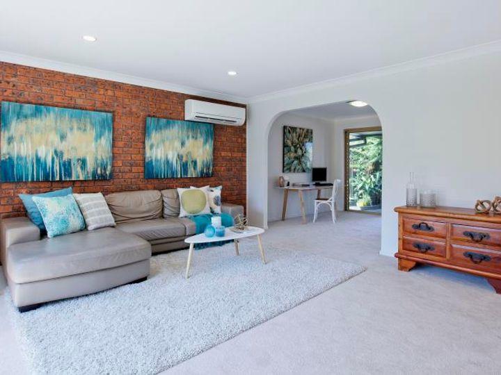 28 Village High Road, Benowa, QLD