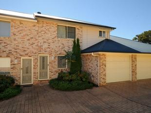 Fantastic secure townhouse. - Newtown