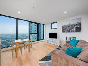 Modern Living & Outstanding Location - Southbank
