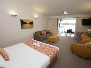 FURNISHED STUDIO APARTMENT AT COURAN COVE - ELECTRICITY INCLUDED - South Stradbroke