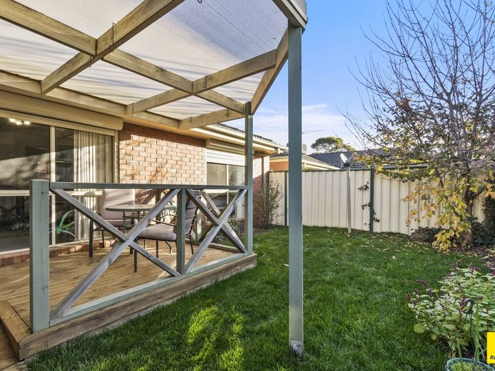 2/15 Woodville Park Drive, Hoppers Crossing, VIC