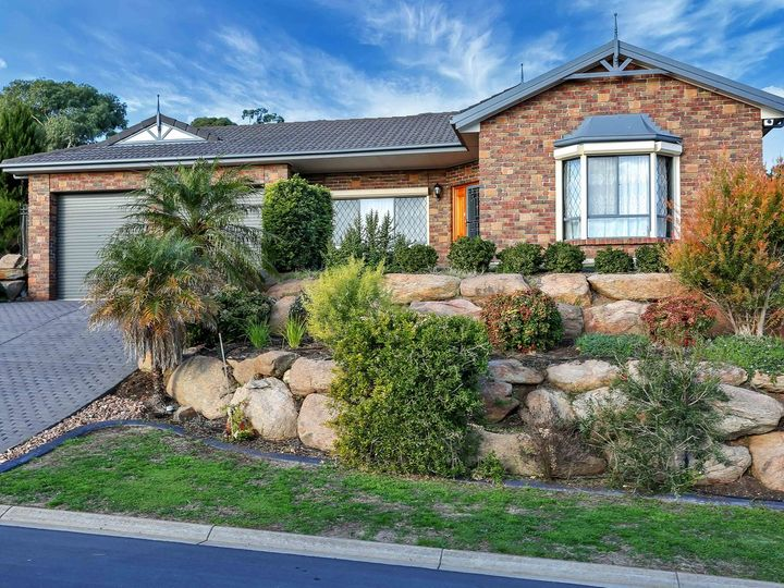 21 Cambridge Terrace, Hillbank, SA