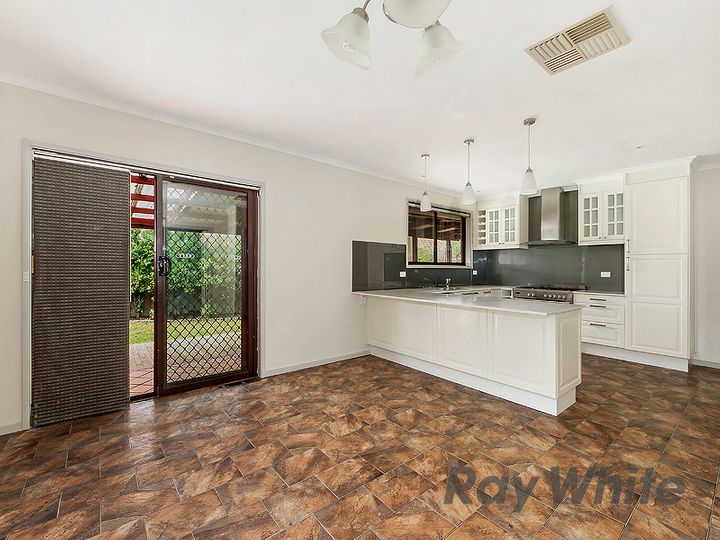 14 Carbine Way, Keilor Downs, VIC