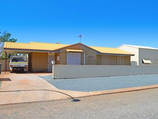 Large brick home with the biggest shed in Hedland! - South Hedland
