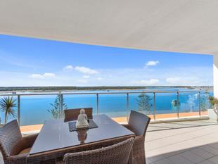SENSATIONAL EAST NORTH EAST FACING APARTMENT WITH STUNNING BROADWATER VIEWS - Biggera Waters