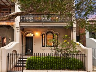 Grand family home with parking on 183sqms of land - Erskineville