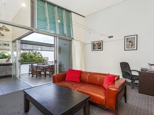Unique Inner City Apartment With Soaring Ceilings - Must Be Sold!! - Fortitude Valley