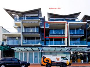 APARTMENT BEACH SIDE LIVING! - Henley Beach