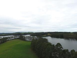 Lakefront Sanctuary with Stunning Views - Kerikeri