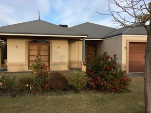 HIGH SPEC PROPERTY WITH SPECTACULAR FEATURES - Canning Vale