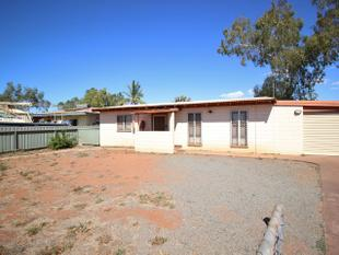 3 x 1 with large yard and shed - South Hedland