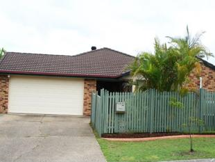 Spacious Lowset Brick Home in Middle Park! - Middle Park