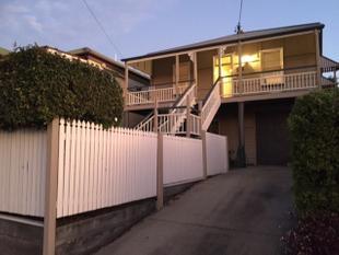 SPACIOUS HOME WITH CHARACTER! - Coorparoo