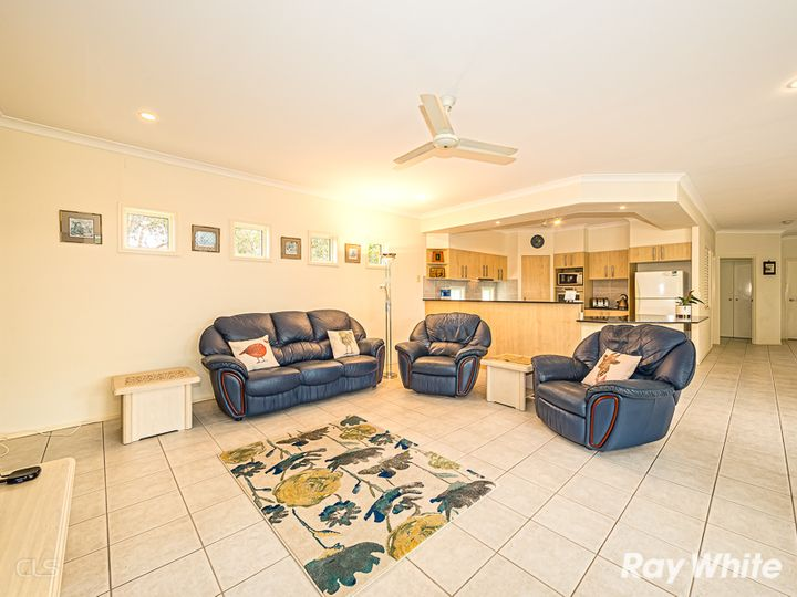 4 Whitehaven Place, Banksia Beach, QLD