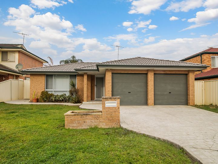 1 Duke Close, Green Valley, NSW