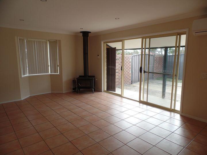 33 Foveaux Avenue, Lurnea, NSW