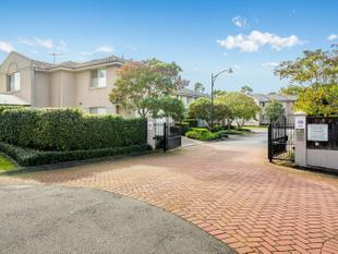 Exclusive Victoria Gardens' Townhouse - Castle Hill
