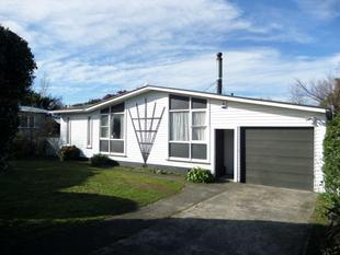 Spacious Four Bedroom Family Home - Featherston