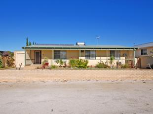 Comfortable Home & Separate Granny Flat - Jurien Bay