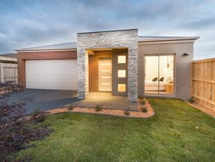 NEAR NEW 3 BEDROOM TOWNHOUSE - Seaford