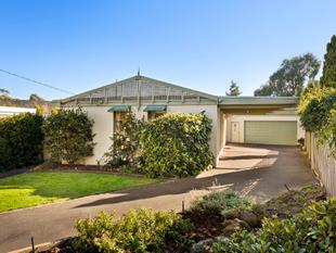 Brilliant Family Living in a Peaceful Court - Dingley Village