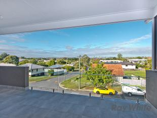 Brand New High Quality Unit with City Views - Chermside