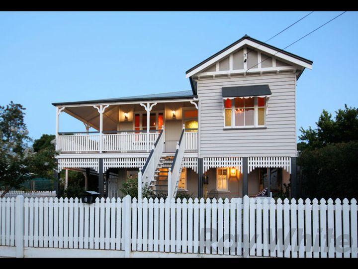 8 Thorn Street, Ipswich, QLD