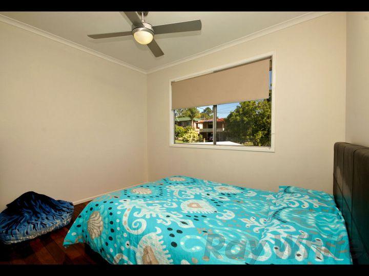 18 Thompson Street, Bundamba, QLD
