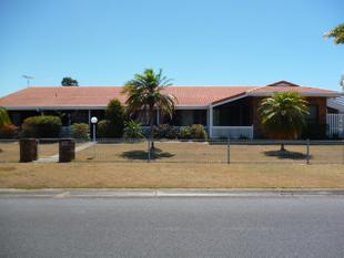 Large Family Home close to schools, shops and Whitepatch - Banksia Beach