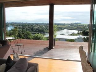 Enjoy the Views while Soaking in the Sun. - Kerikeri