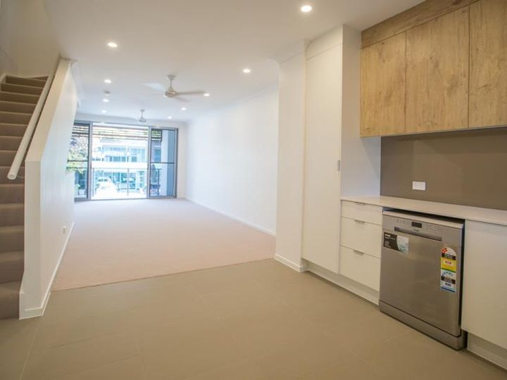 37/3028 The Boulevard, Carrara, QLD
