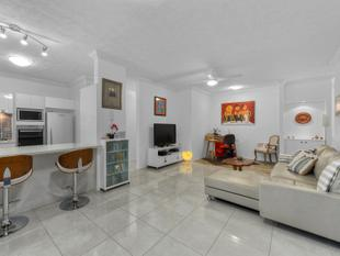 Fully Renovated, Private Courtyard Apartment - Teneriffe