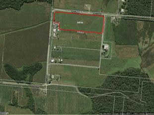 9.56 AC FENCED -  VERY CLOSE TO TOWN !! - South Innisfail