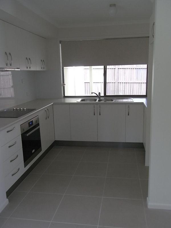 8 arrabri avenue jindalee qld rental house for rent for Beds jindalee