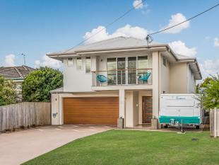 In the Mansfield High School Catchment  Let Me Entertain You!! - Mount Gravatt East