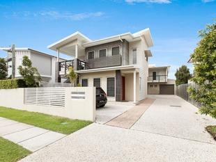 Exquisite Boutique Townhouse in Complex of  Three - Nundah