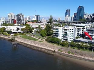 Luxurious Apartment in Yungaba' Complex - Kangaroo Point