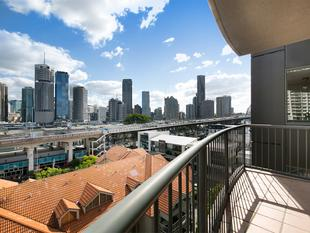 Convenience, Location & Sensational Views.....! - Kangaroo Point