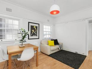 Stylish Top Floor Unit - New York Style - Wollstonecraft